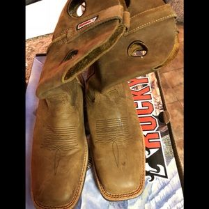 Men's Rocky boots like new!!